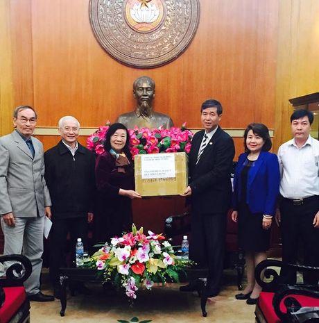 Hoi Giao duc cham soc Suc khoe Cong dong Viet Nam chung tay ung ho dong bao lu lut tinh Quang Binh - Anh 2