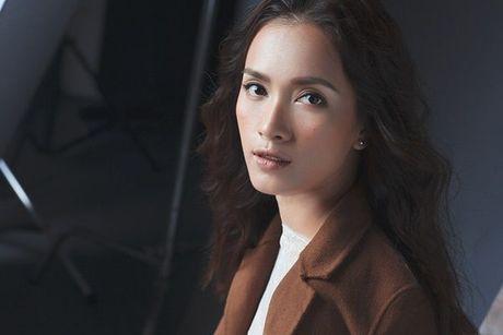 Ai Phuong tung ca khuc xuc dong ve tinh cu gay xon xao cong dong mang - Anh 3