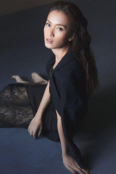 Ai Phuong tung ca khuc xuc dong ve tinh cu gay xon xao cong dong mang - Anh 5