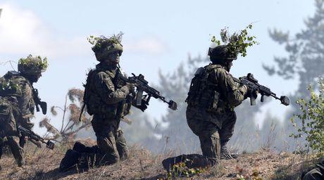 Nga, NATO dua nhau tap tran o Balkan - Anh 1