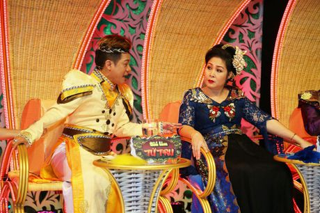 Hong Van, Duc Hai 'nong mat' vi bi Minh Nhi vach tran tat xau - Anh 3