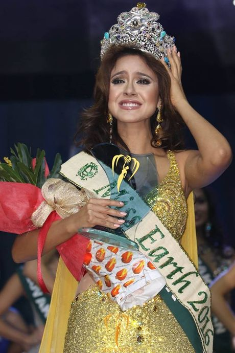 Hoa hau Philippines tu bo vuong mien sau khi lo clip che tan Hoa hau Trai dat - Anh 2