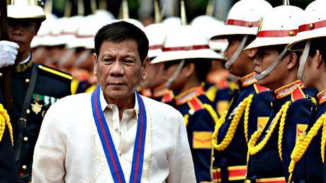 My ngung ban 26.000 khau sung truong cho Philippines - Anh 2