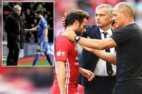 Gia dinh lo so Mata bi Mourinho tong khu khoi MU - Anh 1