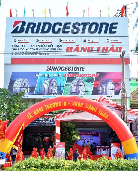 Bridgestone khai truong Trung tam Dich vu Lop xe du lich moi - Anh 1