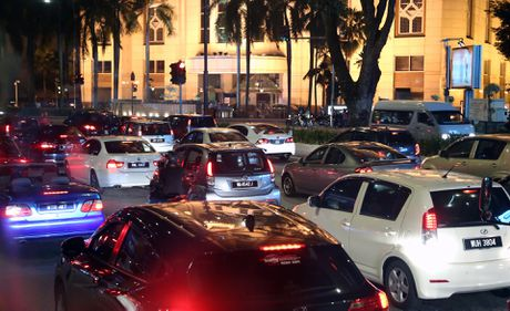 Malaysia: Thien duong xe hoi gia re gan Viet Nam - Anh 1