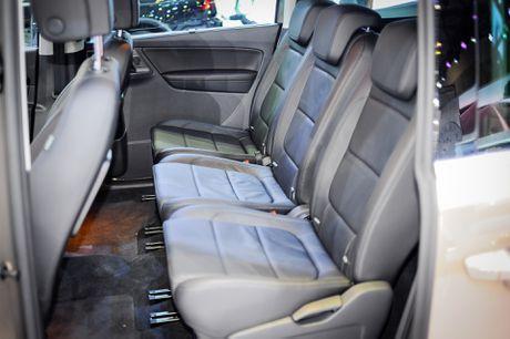 Volkswagen Sharan 7 cho gia gan 2 ty tai Viet Nam - Anh 10