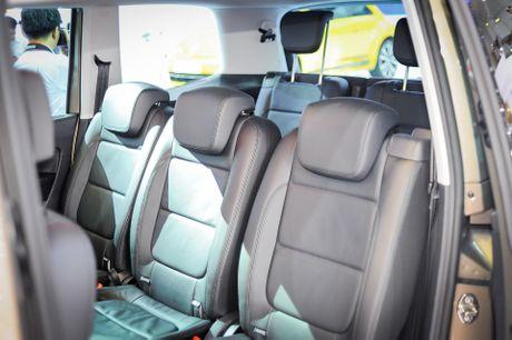 Volkswagen Sharan 7 cho gia gan 2 ty tai Viet Nam - Anh 11
