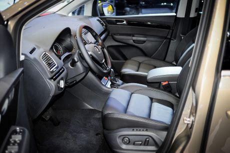 Volkswagen Sharan 7 cho gia gan 2 ty tai Viet Nam - Anh 7