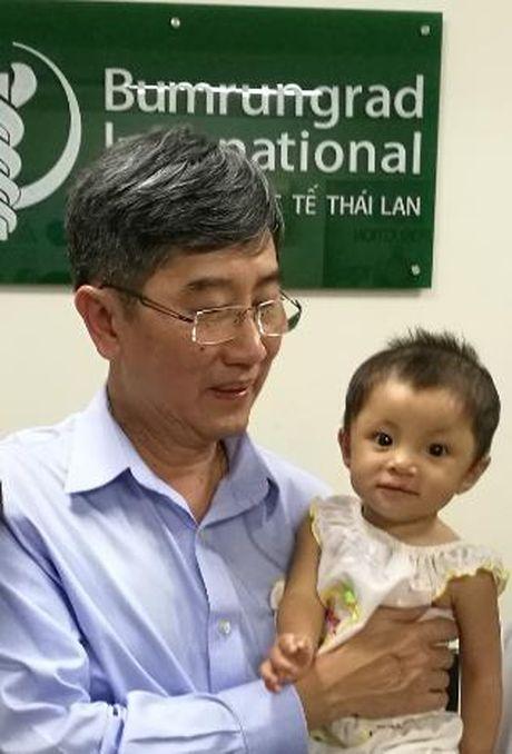 Bac si Thai Lan tu van phau thuat tim cho benh nhan Viet - Anh 2