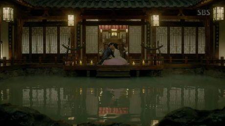 Nguoi tinh anh trang tap 19: Hae Soo quyet roi xa Wang So - Anh 2