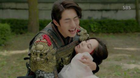 Nguoi tinh anh trang tap 19: Hae Soo quyet roi xa Wang So - Anh 3