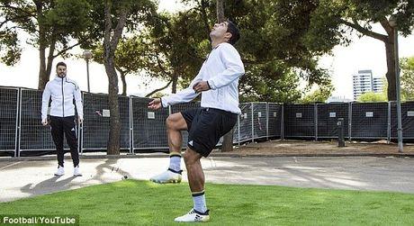 Luis Suarez tro tai do bong tu tren cao 35m voi van toc 104km/h - Anh 1