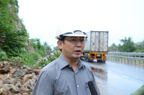 Quang Ngai: Cao toc Da Nang-Quang Ngai ngap, QL1A sat lo - Anh 2