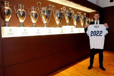 Gareth Bale soan ngoi ong hoang luong bong cua Ronaldo - Anh 1