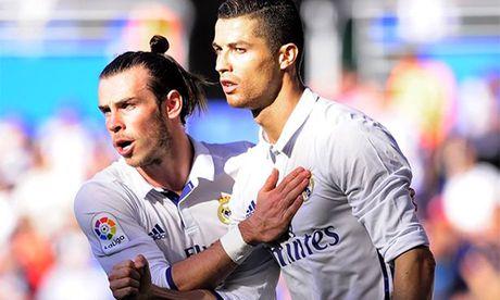 Gareth Bale soan ngoi ong hoang luong bong cua Ronaldo - Anh 2