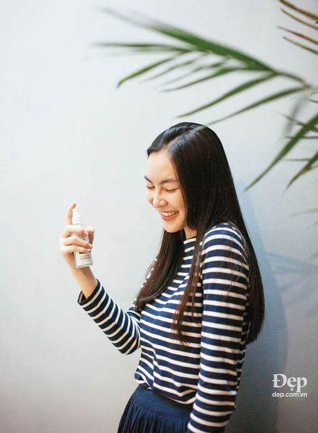 Helly Tong: Trong rau, doc sach va an chay - Anh 2