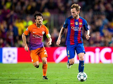 Goc ky thuat Man City-Barca: Kiem soat doi thu hoac that bai - Anh 1