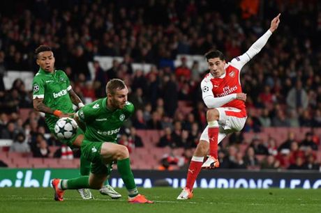 Ludogorets – Arsenal: Danh nhanh, diet gon - Anh 1