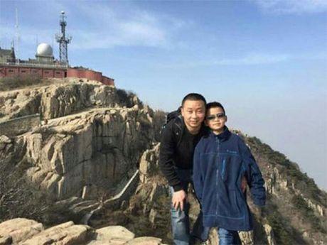 Cau be Trung Quoc 8 tuoi tang trong 10 kg de hien tuy xuong cho cha - Anh 2