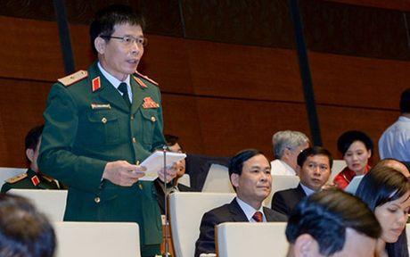 Bo truong Nguyen Chi Dung giai trinh ve dau tu cong trung han - Anh 1