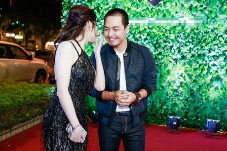 Huyen My mac xuyen thau khoe dang ngoc ben MC Phan Anh - Anh 13