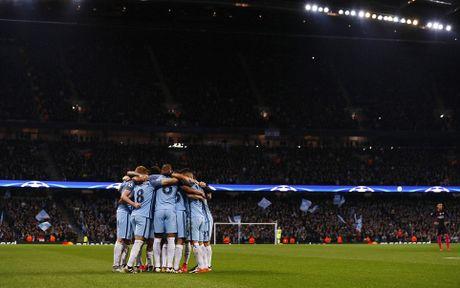 De Bruyne sut phat tuyet dep, Man City ha guc Barca trong dem Etihad ruc ro anh den - Anh 10