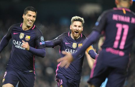 De Bruyne sut phat tuyet dep, Man City ha guc Barca trong dem Etihad ruc ro anh den - Anh 2