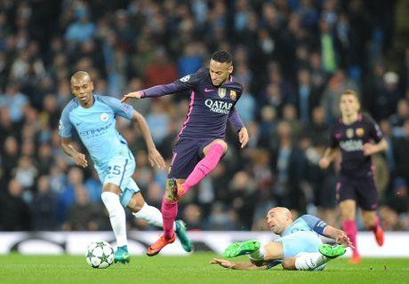 De Bruyne sut phat tuyet dep, Man City ha guc Barca trong dem Etihad ruc ro anh den - Anh 6