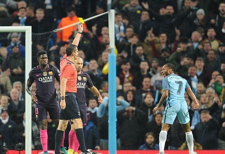 De Bruyne sut phat tuyet dep, Man City ha guc Barca trong dem Etihad ruc ro anh den - Anh 8