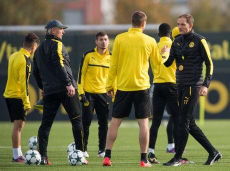 'Nam than' Marco Reus rang ngoi tren san tap Dortmund - Anh 10
