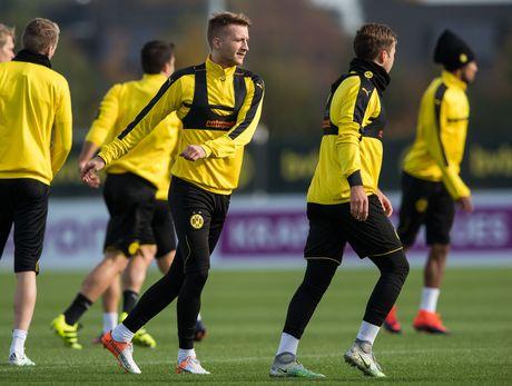 'Nam than' Marco Reus rang ngoi tren san tap Dortmund - Anh 1