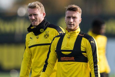 'Nam than' Marco Reus rang ngoi tren san tap Dortmund - Anh 4