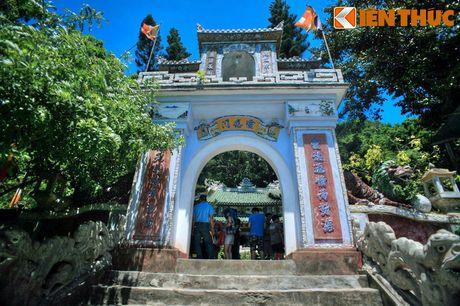 Ve huyen bi me hoac cua chua Linh Ung - Ngu Hanh Son - Anh 1