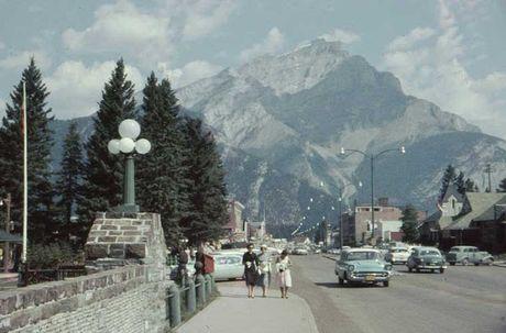 Kham pha cuoc song thuong nhat o Canada nhung nam 1960 - Anh 1