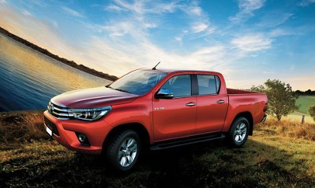 Toyota Hilux 2016 duoc nang cap dong co va hop so moi - Anh 1
