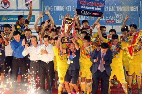 U21 Ha Noi T&T loi nguoc dong de dang quang giai U21 quoc gia 2016 - Anh 1