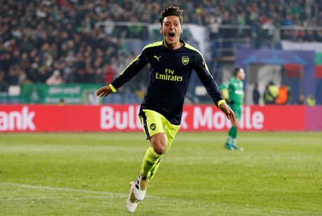 Arsenal thang Ludogorets, Wenger tu tin xoa bo 'loi nguyen' - Anh 2