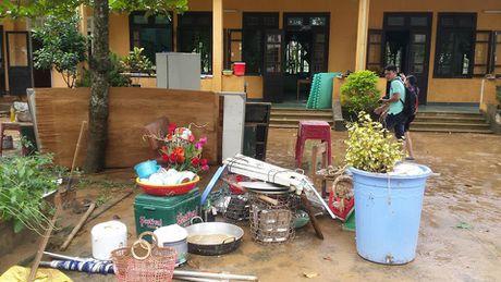 Nguoi dan mien Trung gong minh khac phuc hau qua sau lu lon - Anh 13