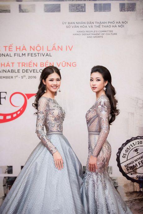 Hoa hau My Linh - A hau Thanh Tu mac 'do doi' tai tham do LHP - Anh 2