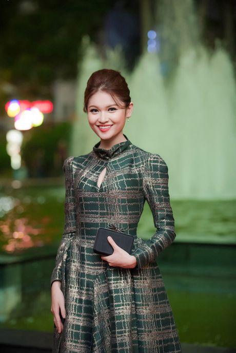 Hoa hau My Linh - A hau Thanh Tu mac 'do doi' tai tham do LHP - Anh 6