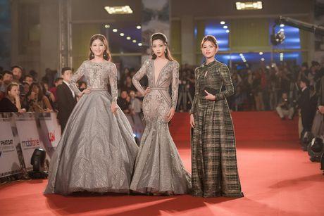 Hoa hau My Linh - A hau Thanh Tu mac 'do doi' tai tham do LHP - Anh 7