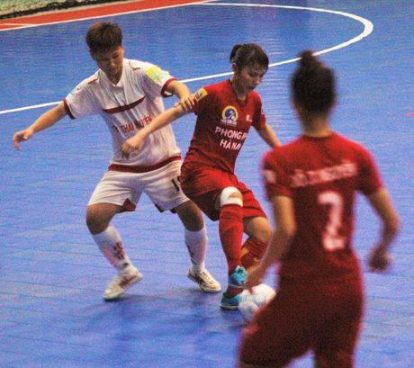 Soi dong giai Futsal Nu TPHCM 2016 - Anh 1
