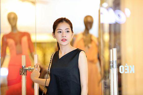 Chi Pu doi style ca tinh voi trang phuc cua NTK Xuan Le - Anh 3