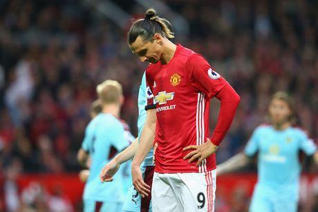 Shaw tiet lo bat ngo ve Ibrahimovic, mung cho Schweinsteiger - Anh 2