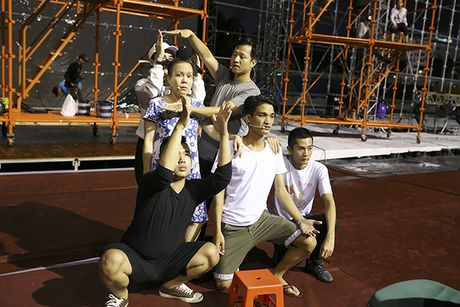 Dan Truong, Viet Huong doi mua chay tong duyet liveshow - Anh 10