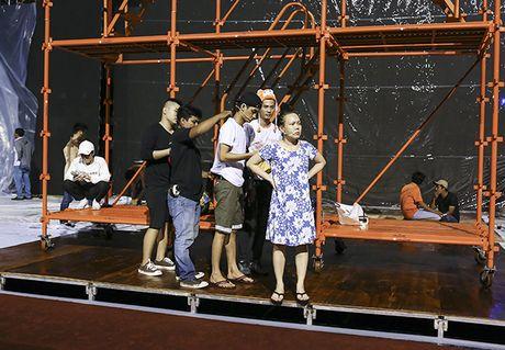 Dan Truong, Viet Huong doi mua chay tong duyet liveshow - Anh 8