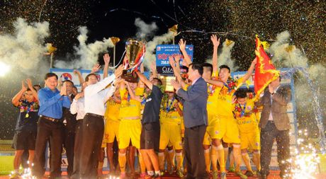'Vien binh' U.19 giup U.21 Ha Noi T&T bao ve chuc vo dich - Anh 1