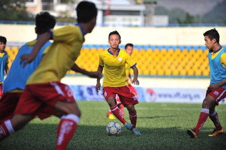 'Vien binh' U.19 giup U.21 Ha Noi T&T bao ve chuc vo dich - Anh 4
