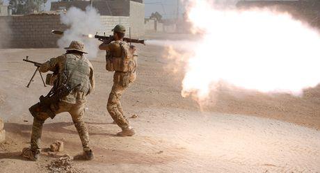 Quan doi Iraq giao tranh gianh tung con pho o Mosul - Anh 1